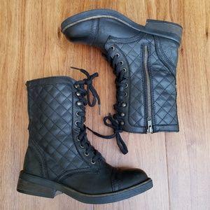4c3bad46b9c Steve Madden Saffrin Quilted Combat Boots